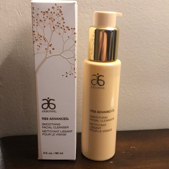 Arbonne RE9 smoothing facial cleanser